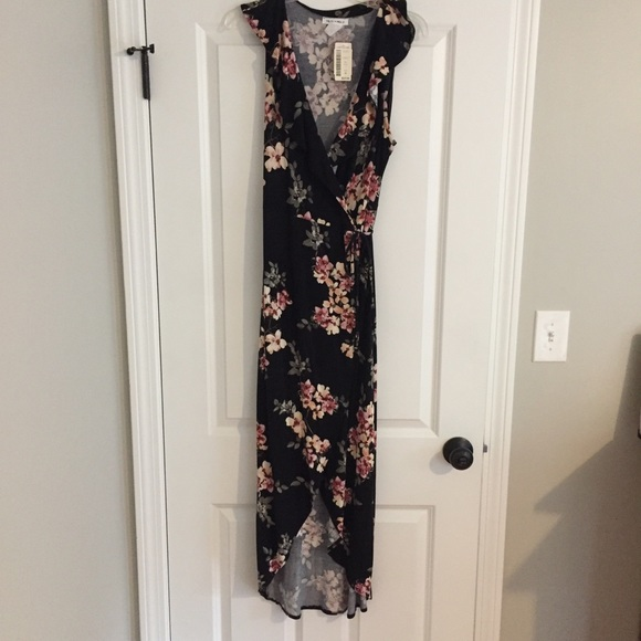 Love Culture Dresses & Skirts - NWT Love Culture Floral Wrap Dress High Low